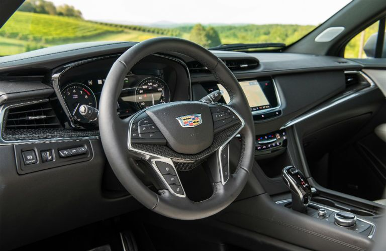 front interior of the 2020 Cadillac XT5