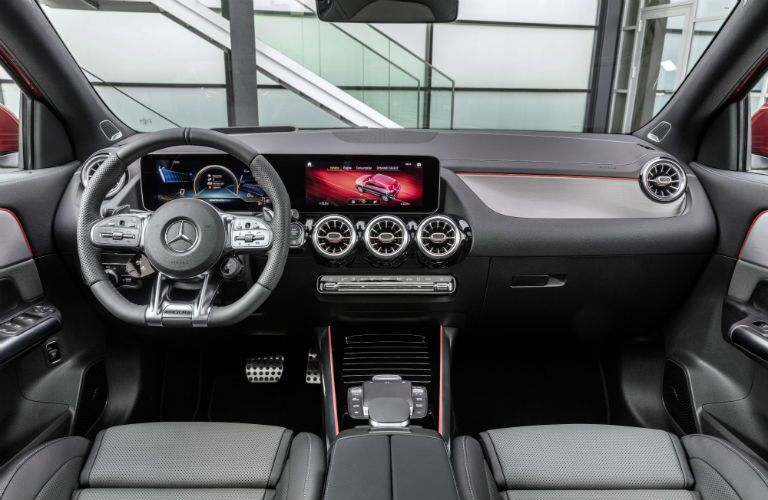 2021 Mercedes-Benz GLA front interior