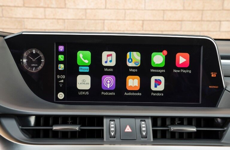 Apple CarPlay in 2021 Lexus ES