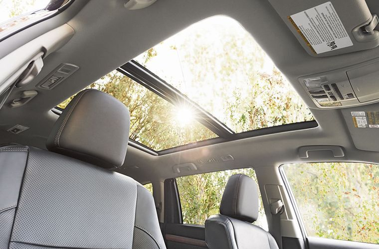 Sunroof of 2018 Toyota Highlander
