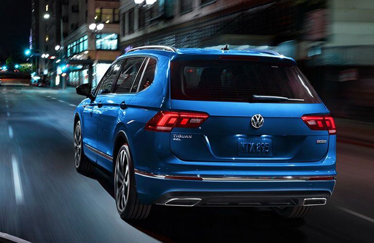 rear of 2020 vw tiguan