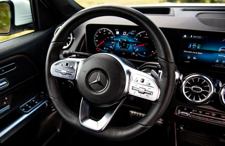 2020 MB GLB interior front cabin steering wheel