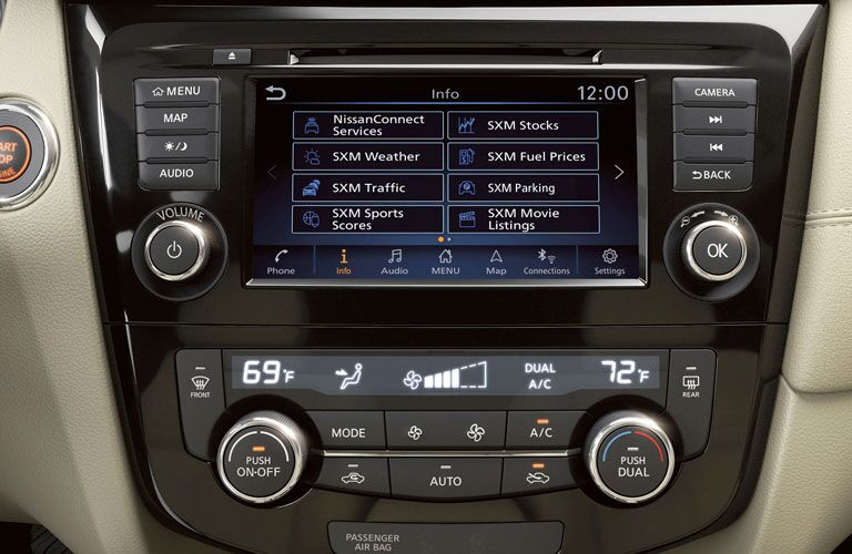 Infotainment system and climate control system in 2020 Nissan Rogue
