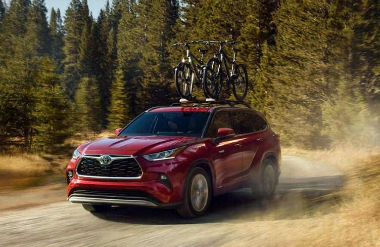2020 Toyota Highlander Hybrid Platinum with bikes on roof rack