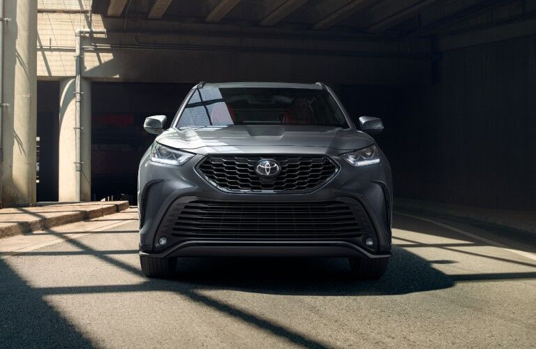 The front image of a gray 2021 Toyota Highlander.