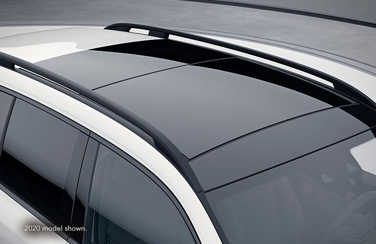 2021 MB GLB exterior panoramic sunroof
