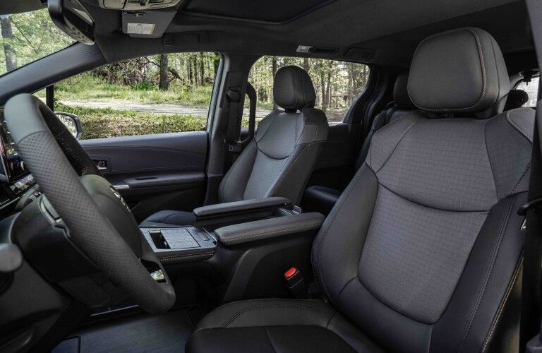 front seats in the 2022 Toyota Sienna Woodland Special Edition