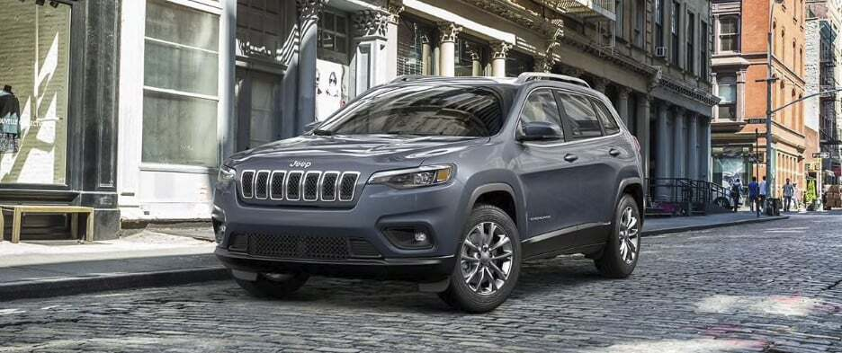 2019 Jeep Cherokee parked on a rock road
