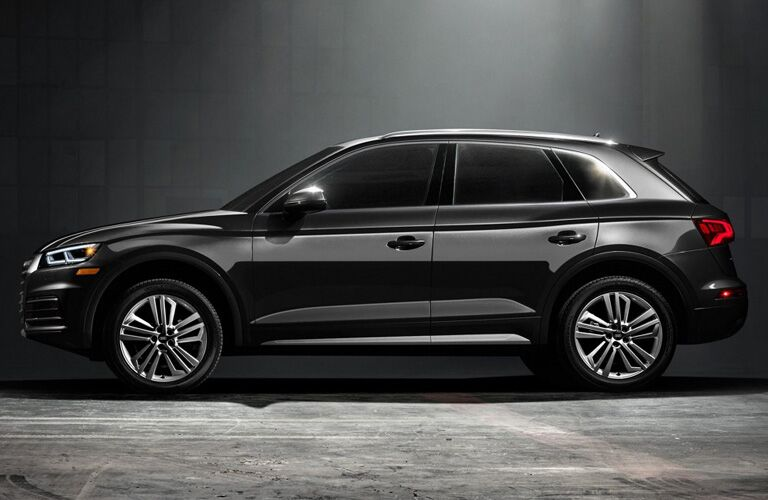 Side view of black 2019 Audi Q5