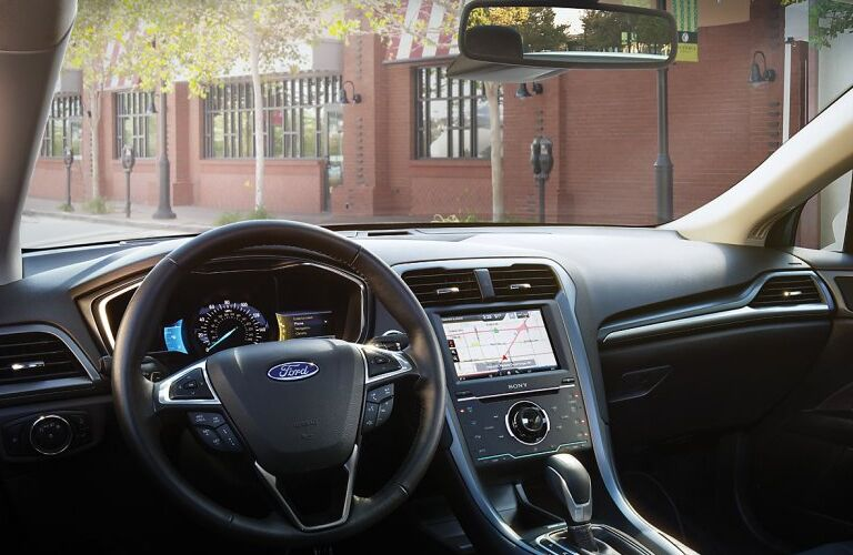 2014-ford-fusion-interior-design-instrument-panel-steering-wheel