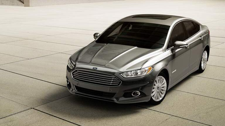 2015-ford-fusion-hybrid-kansas-city-mo-exterior-design-badge-fuel-economy-charging-time-lithium-ion-battery