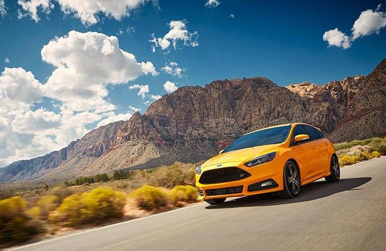 2015-ford-fiesta-vs-2015-ford-focus-kansas-city-mo-matt-ford-differences-between-advantages-power-fuel-economy