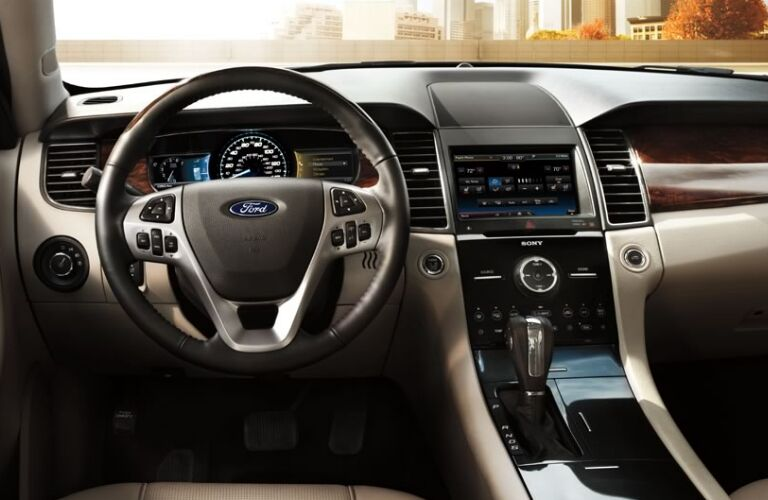 2015-ford-taurus-interior-design-kansas-city-mo
