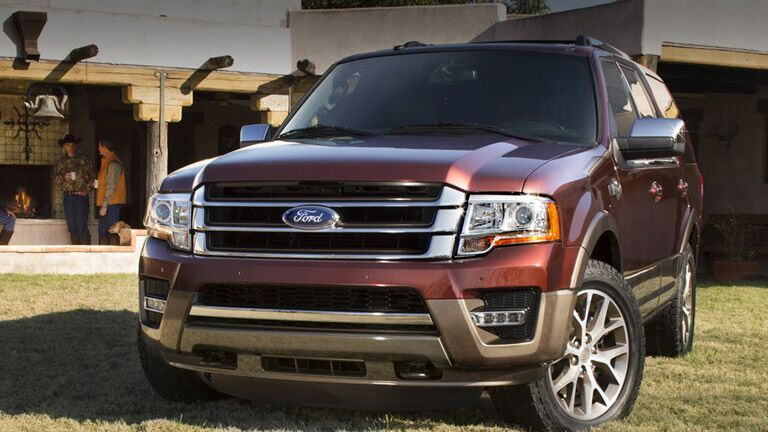 2015 Ford Expedition vs 2015 Chevy Suburban
