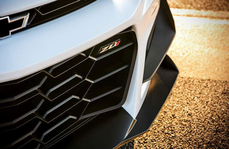 front fasica grille of the 2018 Chevrolet Camaro