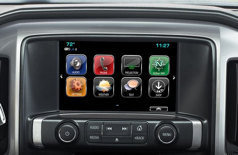 infotainment system of 2019 chevy silverado inlcuding apps