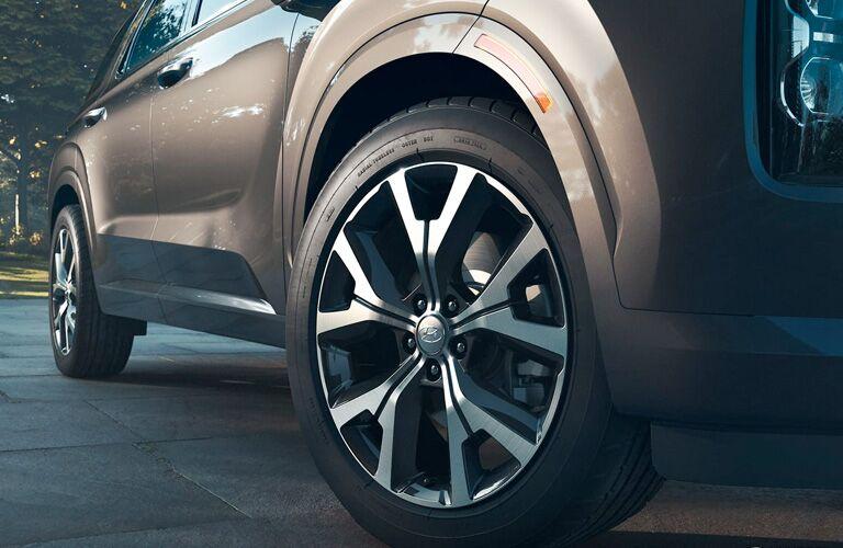 Close Up of the Front Passenger Wheel on the 2020 Hyundai Palisade