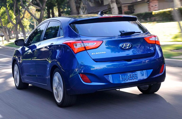 image car reviews gt elantra world featured review large hyundai real autotrader