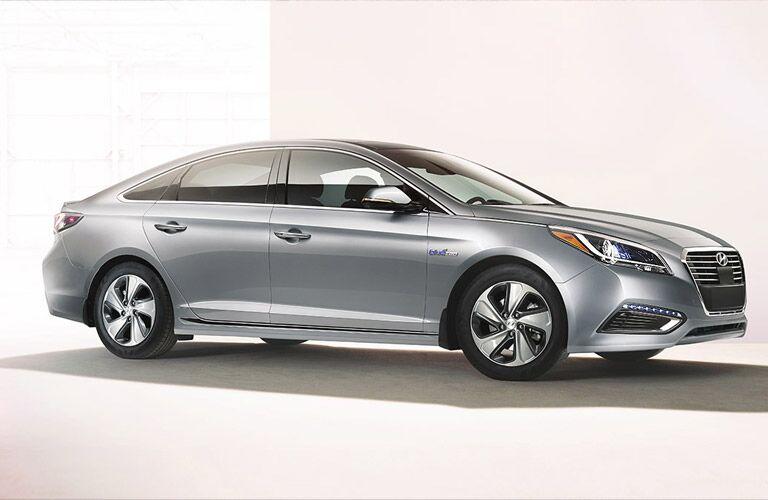 2016 Hyundai Sonata Hybrid Side View