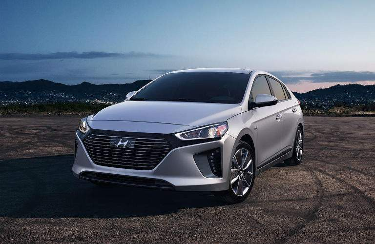 2018 hyundai ioniq plug-in hybrid front view with chrome grille
