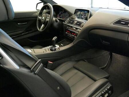BMW_EXECUTIVE_DEMO_INTERIOR