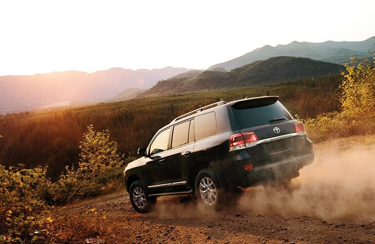 Side View of the 2016 Toyota Land Cruiser