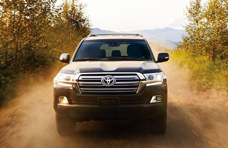 Front of the 2016 Toyota Land Cruiser