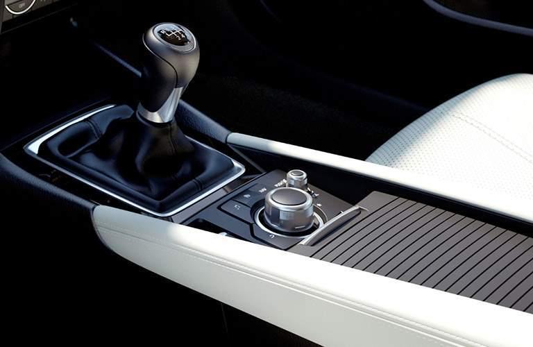 Manual gear shift of the 2018 Mazda3