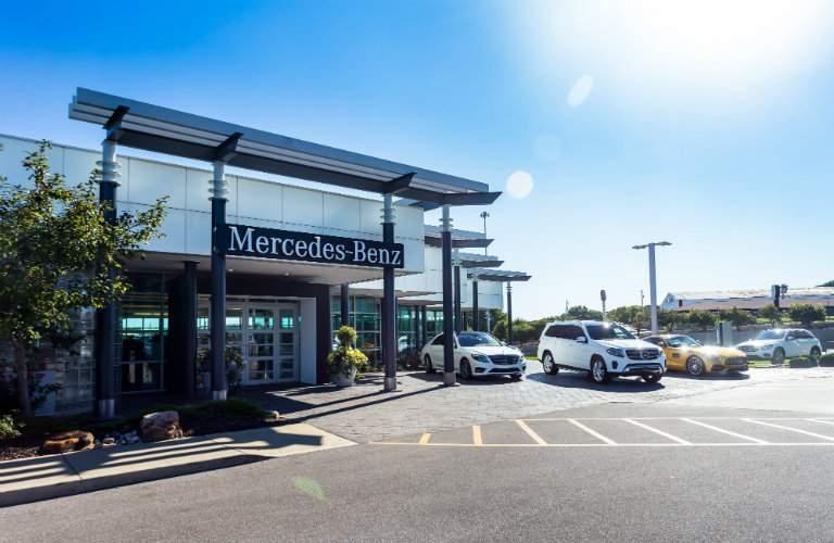 Exterior of the Mercedes-Benz branch of Aristocrat Motors in Merriam KS