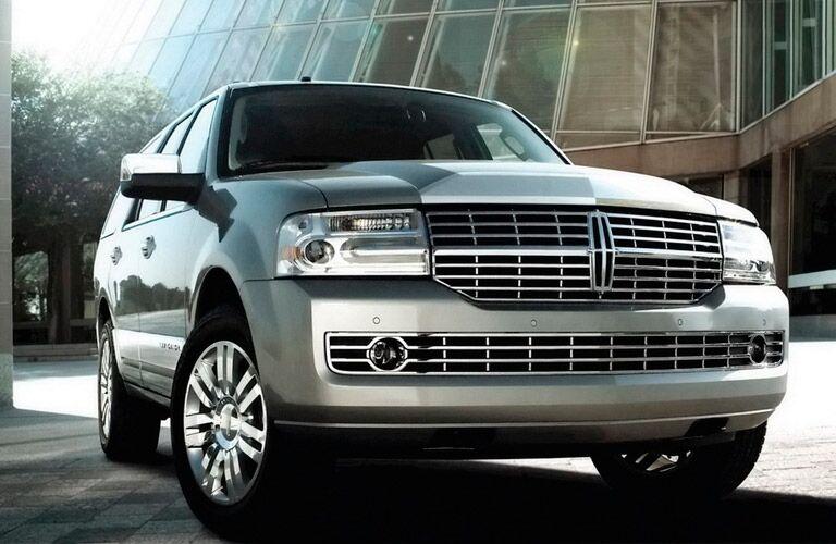 Silver Lincoln Navigator
