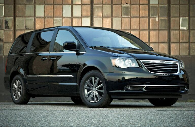2016 Chrysler Town and Country front shot