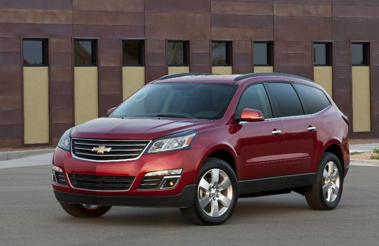 A front left quarter photo of the used Chevy Traverse.