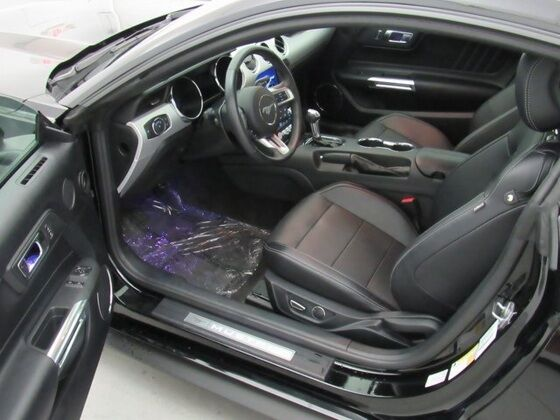 used ford mustang interior