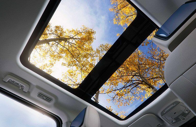 panoramic sunroof in the 2018 Ford Expedition
