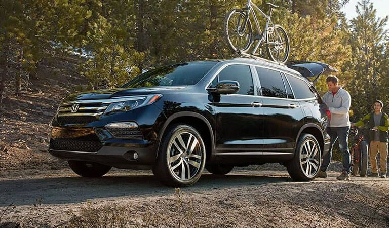 2018 honda pilot with bike rack and family