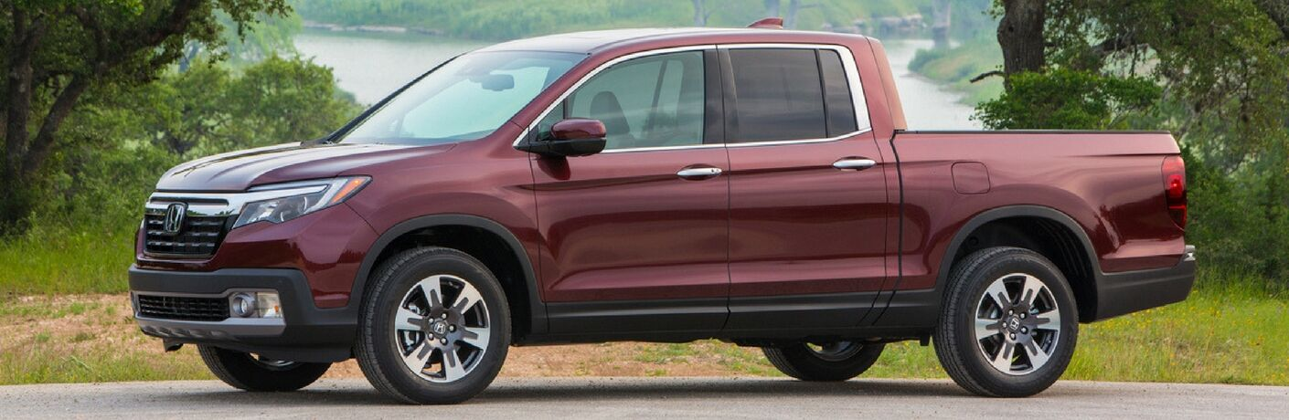 2019 honda ridgeline full view parked