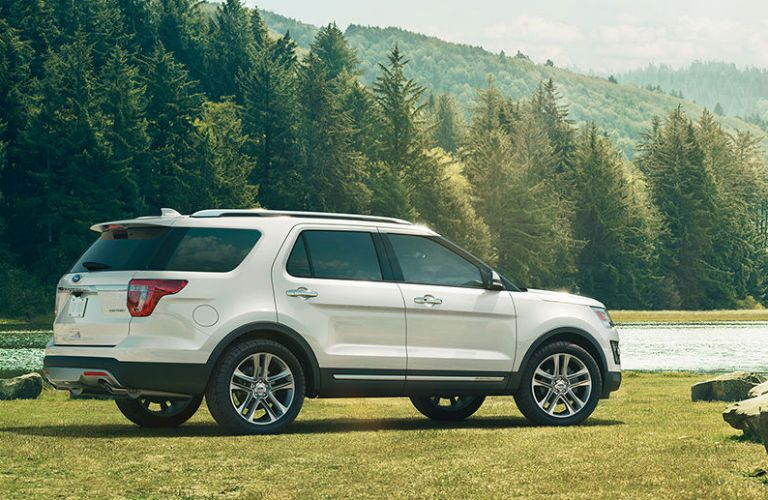 what features comes with the 2017 ford explorer limited