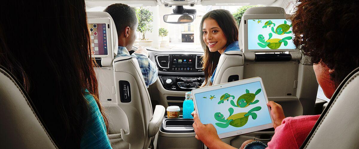 2017 Chrysler Pacifica Hybrid Technology