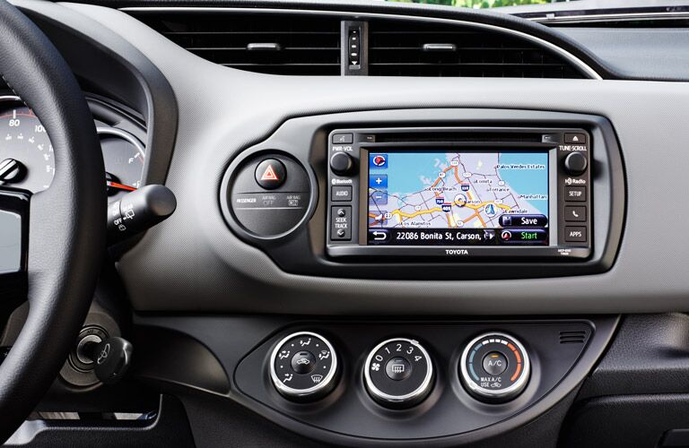 2017 toyota yaris interior touchscreen