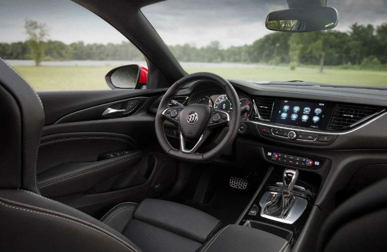Interior dashboard design of 2018 Buick Regal GS