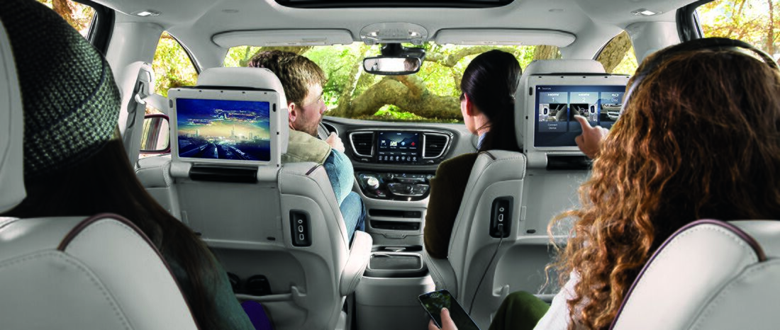 2017 Chrysler Pacifica Uconnect Theater Package