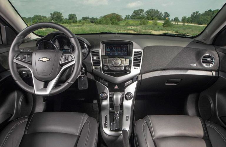 2015 Chevy Cruze features