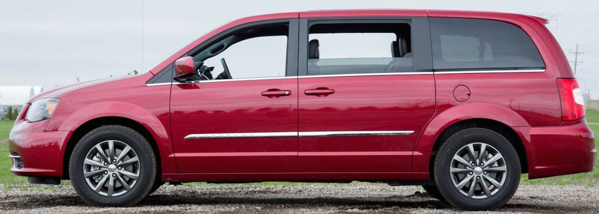 The Town Country Generates 283 Horse And 260 Lb Ft Of Torque With Fuel Efficiency Rated At 17 City 25 Highway Miles Per Gallon