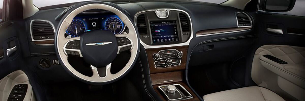 2018 Chrysler 300 Technology