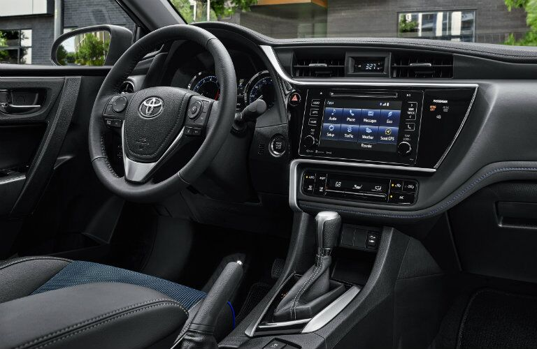 Steering wheel and center touchscreen of 2019 Toyota Corolla
