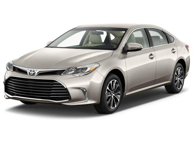 2016 Toyota Avalon Front View
