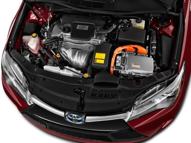 2016 Toyota Camry Hybrid Engine View