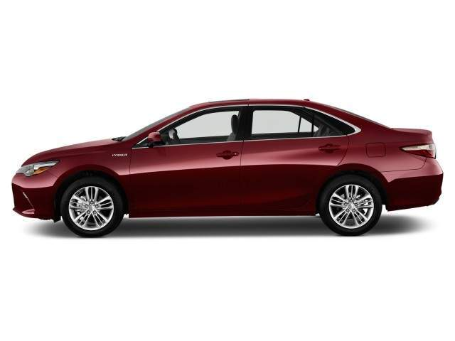 2016 Toyota Camry Hybrid Side View