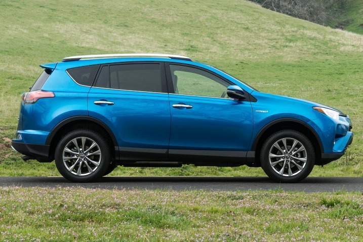 2016 Toyota RAV4 Hybrid Side View