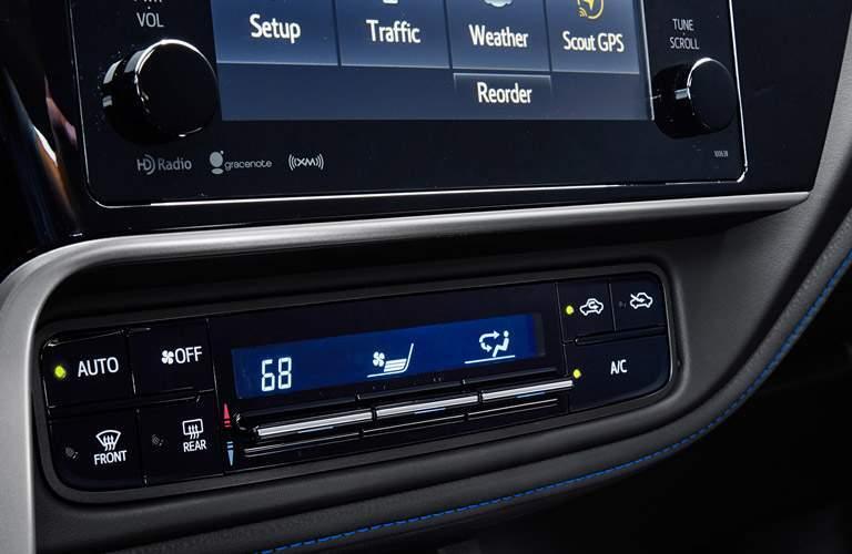 2017 Toyota Corolla Dual Zone Climate Control